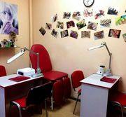Сдаю рабочее место для мастеров красоты. Киев,  срочно.