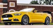 Кабриолет Ford Mustang GT желтый